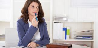 Está em dúvida sobre como escolher uma franquia. Neste artigo discutimos alguns pontos que você deve considerar na hora de fazer a escolha de uma franquia para come seu negócio. Veja o que pode influenciar no sucesso do seu negócio na hora de escolher uma franquia.