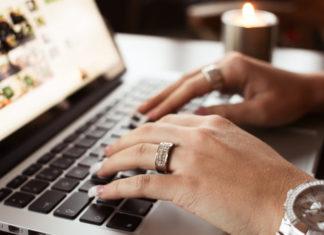 O modelo de franquias online cresce a passos largos no Brasil e é uma ótima oportunidade para quem deseja montar seu negócio próprio sem investir muito logo no início e trabalhar em um sistema de home office.