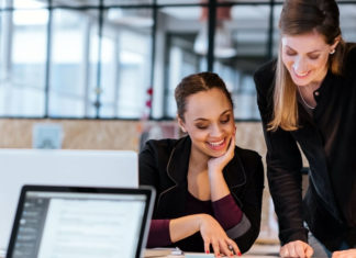 Veja nesta matéria quais são os principais motivos que levam as mulheres a empreenderem a como sentimentos e situações econômicos-sociais levam as mulheres a se lançarem em negócios próprio.